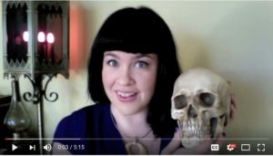 Fra Caitlin Doughty YouTube-kanal Ask A Mortician. (https://www.youtube.com/channel/UCi5iiEyLwSLvlqnMi02u5gQ)