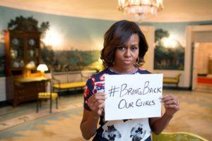 #bringbackourgirls-kampanjen ga Boko Haram stor oppmerksomhet. Her førstedame Michelle Obamas bidrag til å sette søkelys på situasjonen i Nord-Nigeria. Foto: Public Domain/Wikimedia Commons